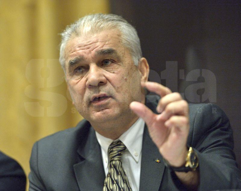 Cum comentează un fost selecţioner al României confuzia de pe banca tehnică a naţionalei