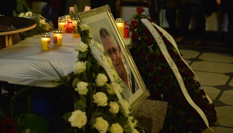 Nicolae Manea va fi înmormîntat astăzi în cimitirul Străuleşti II » Cortegiul funerar va pleca de la biserica Sfînta Parascheva