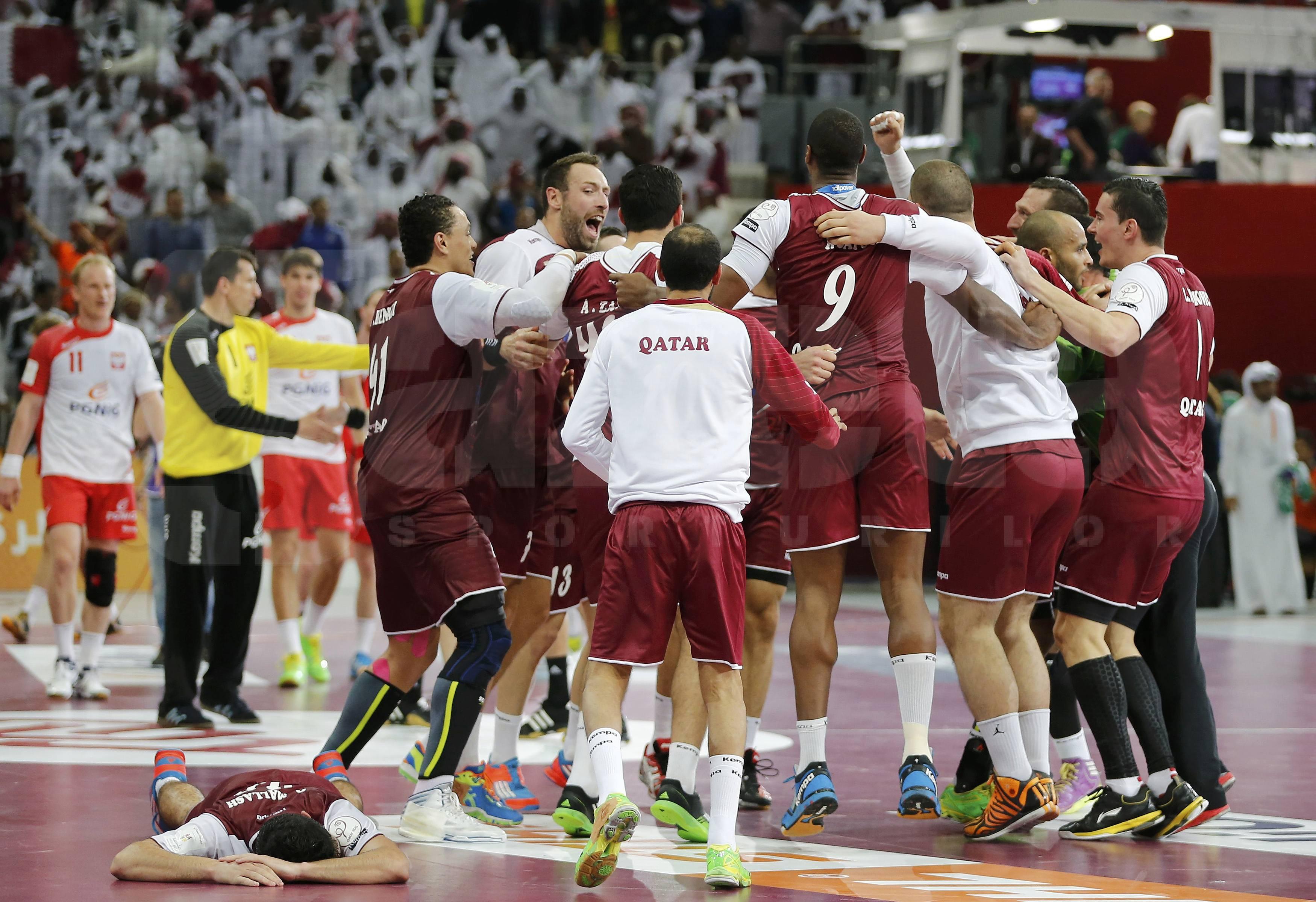 Performanta incredibila reusita de nationala de handbal masculin a Qatarului! A eliminat Polonia si a devenit prima finalista non-europeana din istoria Campionatului Mondial