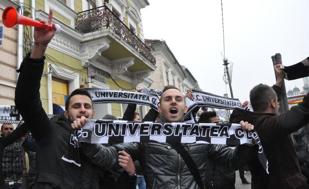 Au ales suporterii? U Cluj are un nou antrenor, dar nu este Laurenţiu Reghecampf