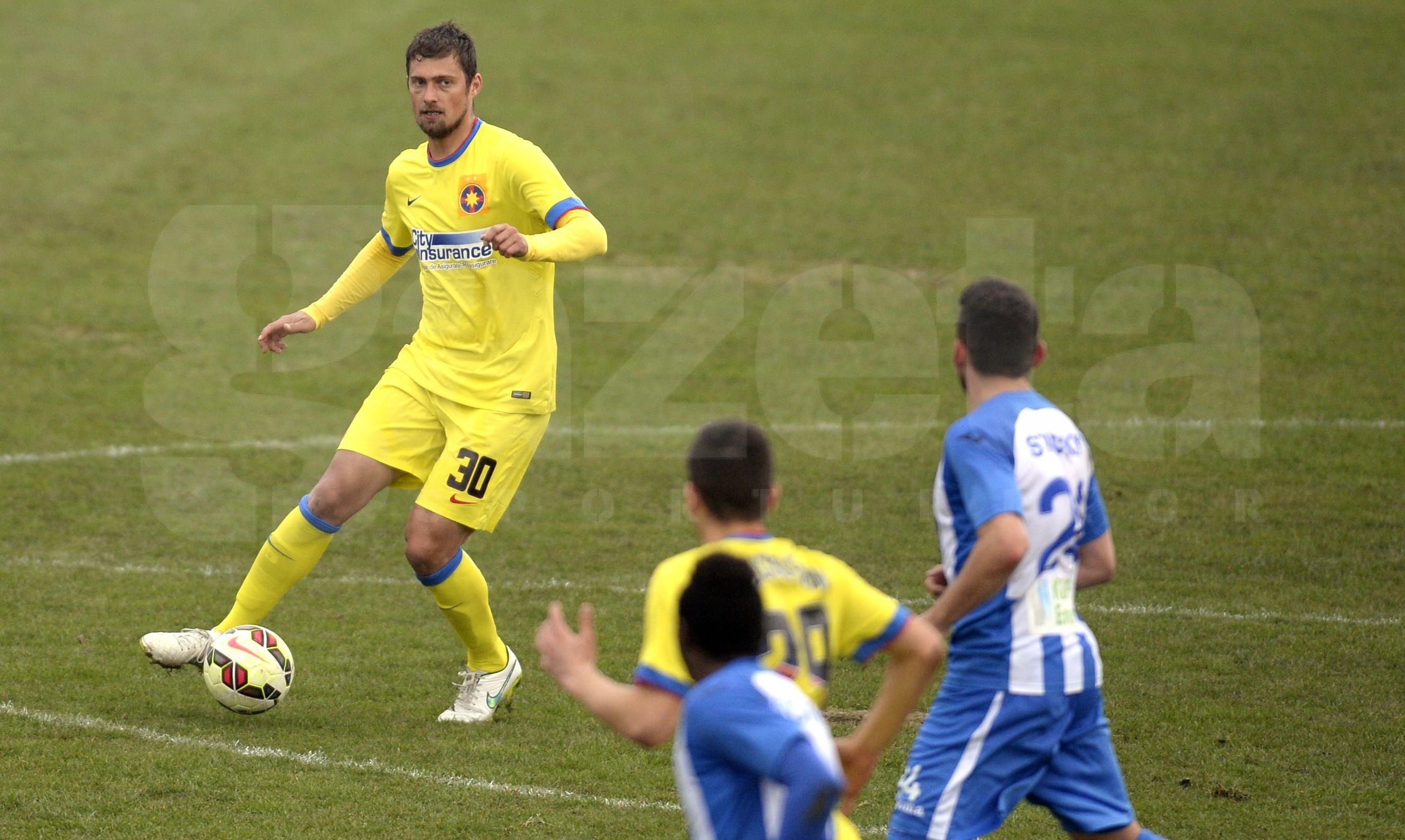 FOTO Primele imagini cu Gabi Tamaş în tricoul Stelei » Au trecut aproape 6 luni de la ultimul meci oficial al fundaşului