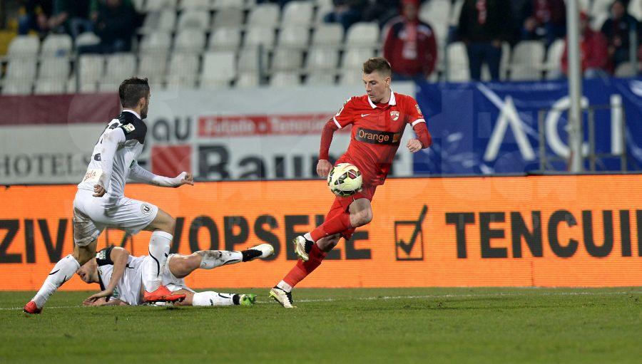 Şi-a intrat în rolul de manager » Ionel Dănciulescu îl ceartă pe Valentin Lazăr:
