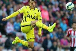 Două cluburi mari ale Europei se bat pe Vlad Chiricheş! Anunţul de ultimă oră din presa engleză