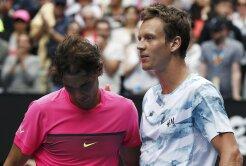 DEMOLAT  Nadal a suferit o înfrîngere umilitoare în sferturile Australian Open!