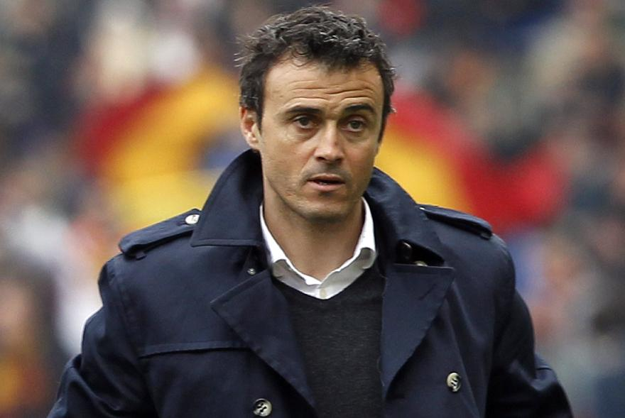 The 46-year old son of father (?) and mother(?), 180 cm tall Luis Enrique in 2017 photo