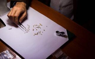 A fost prins cu 800 de grame de diamante în chiloţi: ce încerca să facă cu ele
